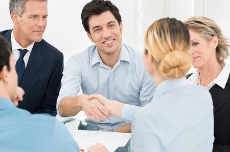 כיצד לימודי אנגלית יהפכו אתכם לאנשי עסקים טובים יותר
